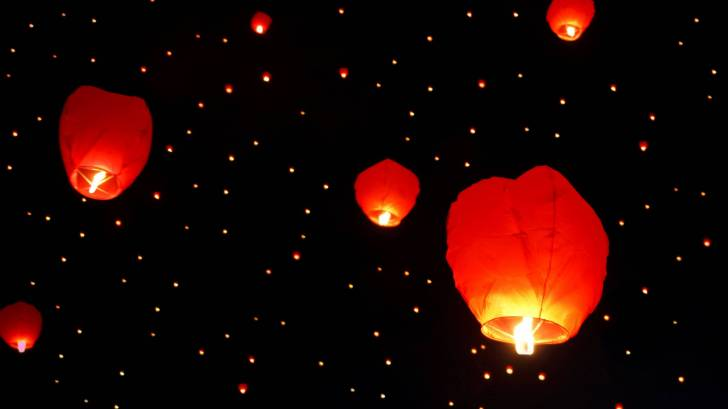 chinese flying lantern candles