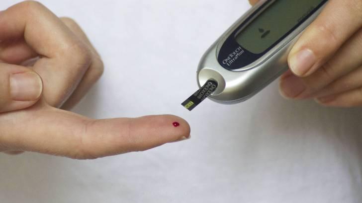 finger blood test for diabetes sugar