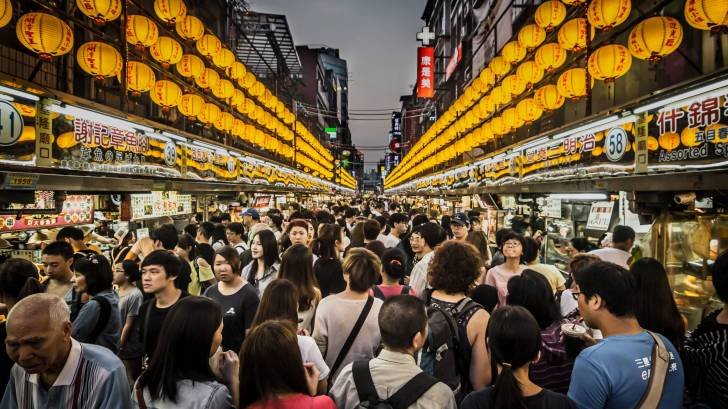 Taiwan market, busy people