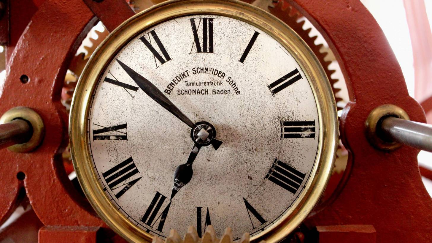 watch with time on it