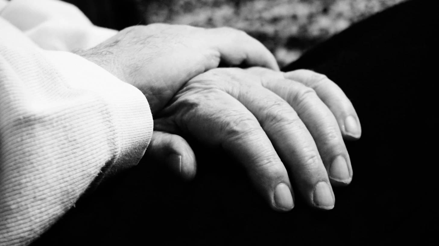 older hands with arthritis