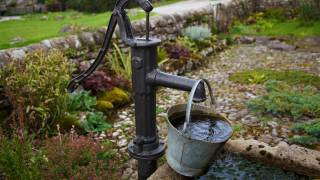 old fashioned water well