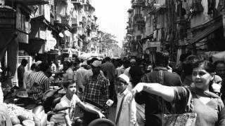 crowded Mumbai street